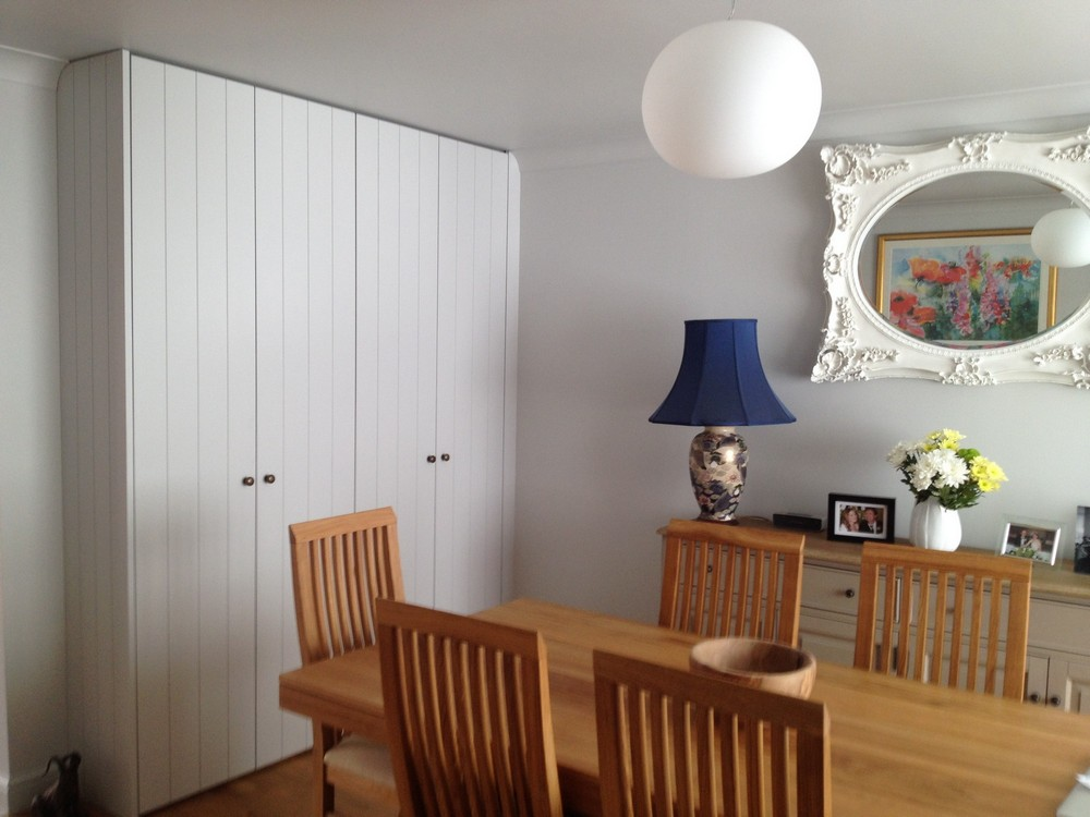 Vee grooved doors and grooved end panel
